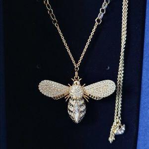 Swarovski Lisabel Pendant, BEE Crystal Authentic